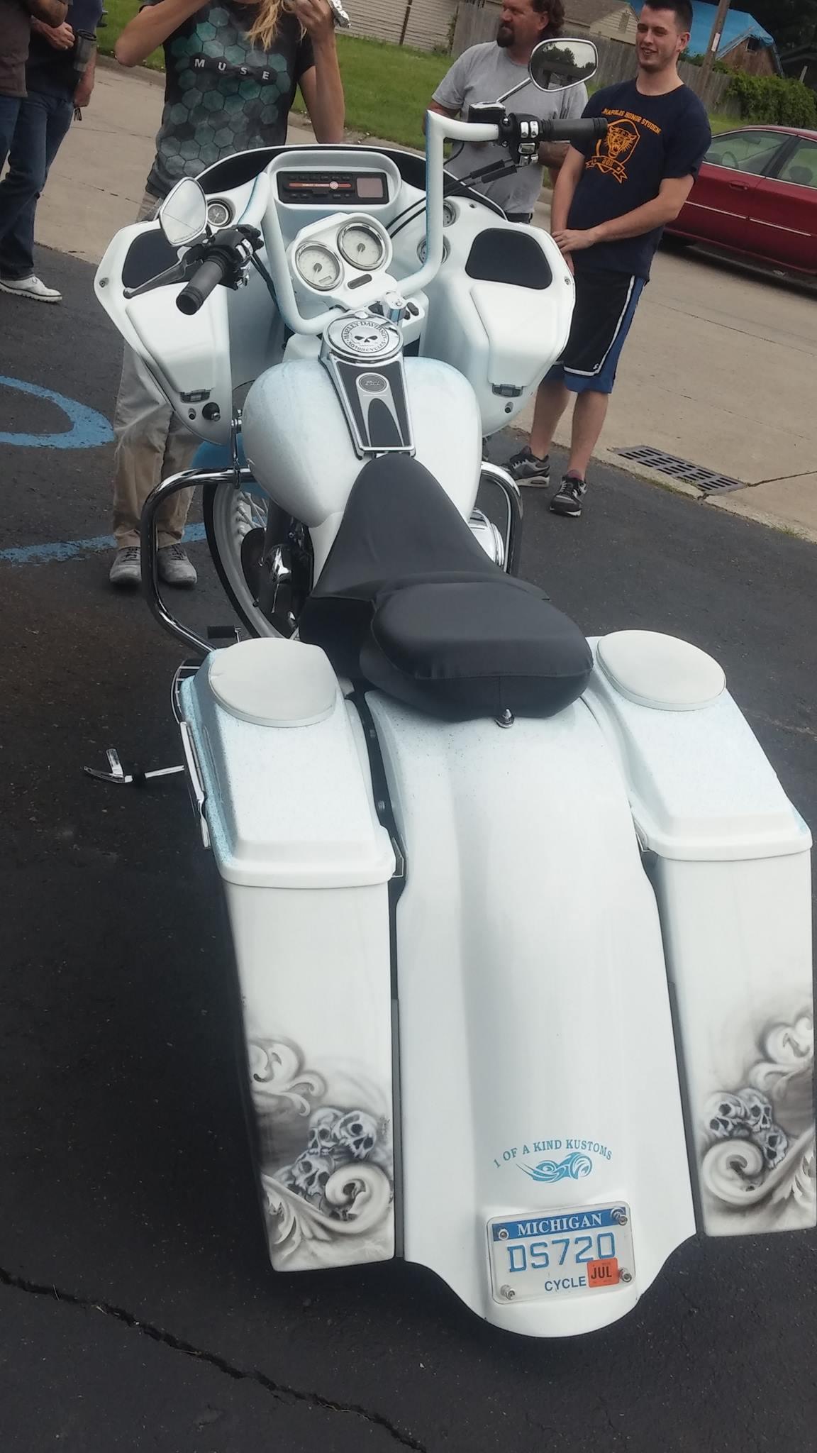 Harley Davidson Saddlebags: Extended Stretched