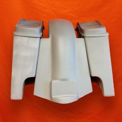 Harley-Davidson-4-inch-Extended-Stretched-Saddlebags-with-Dual-6x9-Speaker-Lids-and-Replacement-Fender-09–13