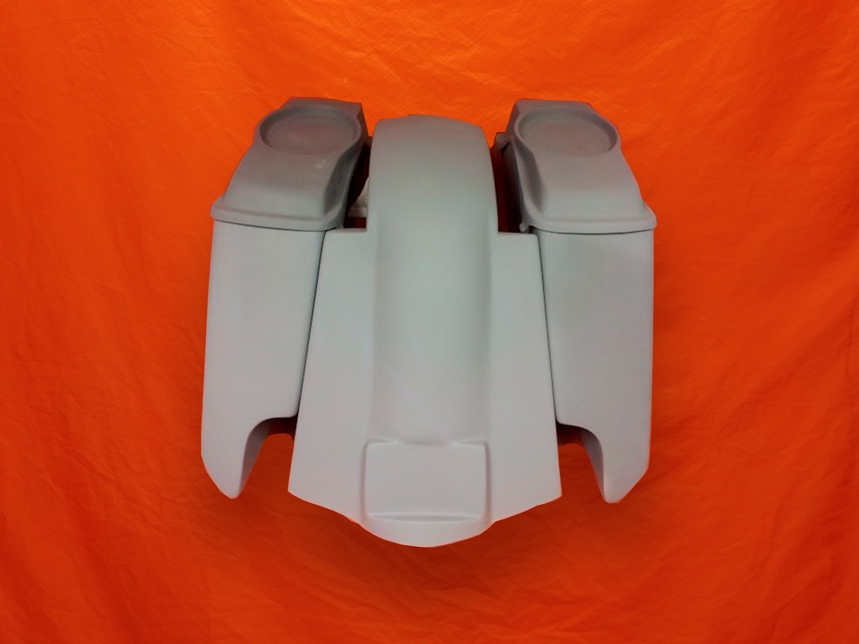 Harley-Davidson-5-Extended-Saddlebags-CutOuts-with-Replacement-Fender-and-6-5-inch-Speaker-Lids-89-08