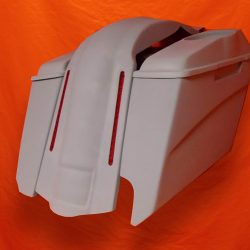 Harley-Davidson-5-Extended-Stretched-Saddlebags-Right-CutOut-6-5-inch-Speaker-Lids-with-LED-Fender