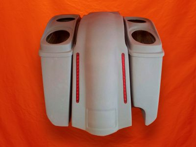Harley-Davidson-5-Extended-Stretched-Saddlebags-Right-CutOut-with-Dual-6-x-9-Speaker-Lids-and-LED-Fender-2