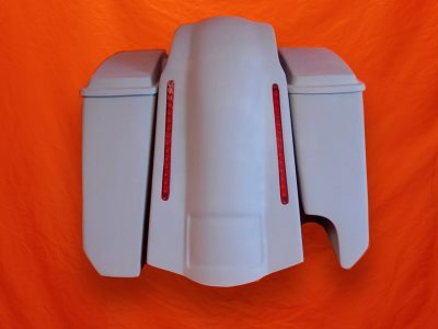 Harley-Davidson-5-Extended-Stretched-Saddlebags-Right-CutOut-with-Lids-and-LED-Fender-2