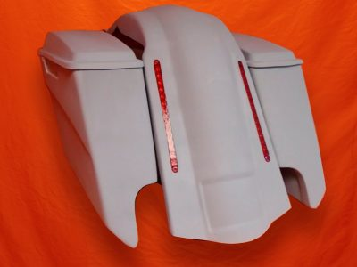 Harley-Davidson-5-Extended-Stretched-Saddlebags-With-CutOuts-Lids-and-LED-Fender-4