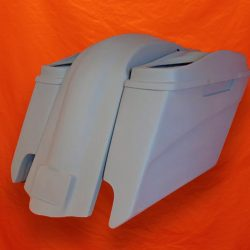 Harley-Davidson-5-inch-Extended-Saddlebags-With-CutOuts-Fender-and-Dual-6x9-Speaker-Lids