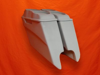 Harley-Davidson-5-inch-Extended-Saddlebags-With-CutOuts-and-Dual-6-5-inch-Speaker-Lids-3