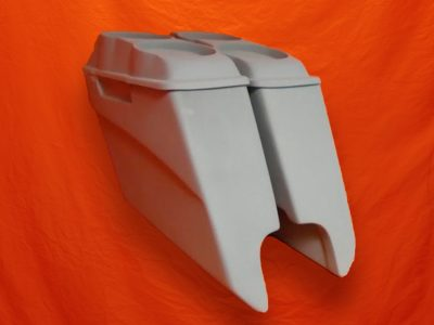 Harley-Davidson-5-inch-Extended-Saddlebags-With-CutOuts-and-Dual-6-5-inch-Speaker-Lids