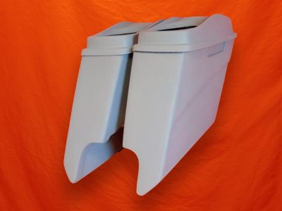 Harley-Davidson-5-inch-Extended-Saddlebags-With-CutOuts-and-Dual-6x9-inch-Speaker-Lids
