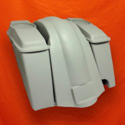 Harley-Davidson 6-inch-Extended Stretched Saddlebags-Right-CutOut-6x9-Speaker-Lids-and-Fender