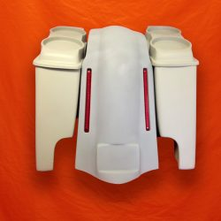 Harley-Davidson-Bagger-4-inch-Stretched-Bags-Dual-6-5-Speaker-Lids-and-LED-Lights-Fender