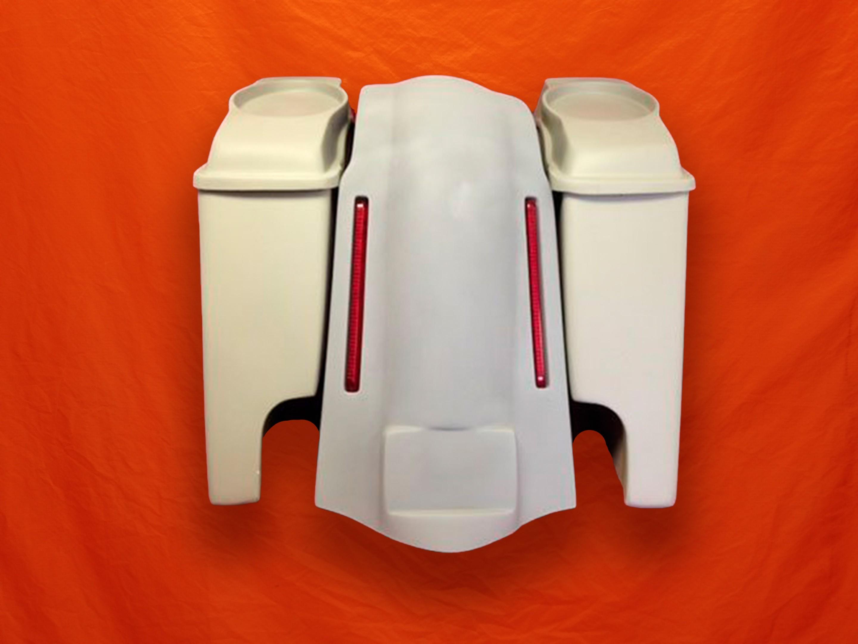 Harley-Davidson-bagger-stretched-bags-and-6x9-Speaker-Lids-with-LED-Lights-Fender