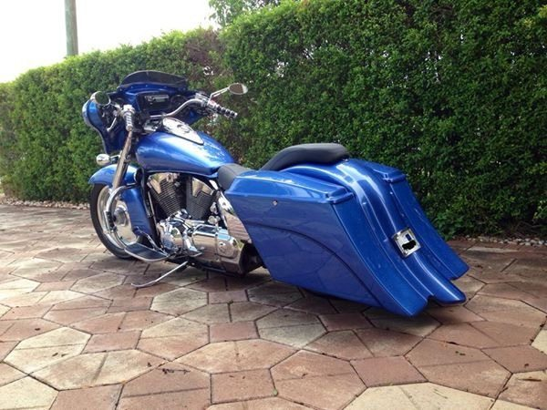 Honda VTX 1800 / 1300 6″ Extended Stretched Out & Down Bags Rear Fender Right Side Cut Out Onlly ...