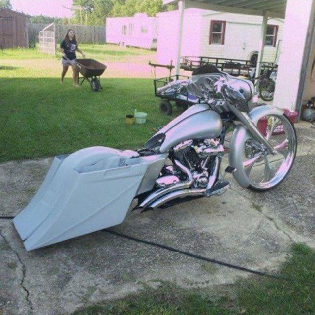 Harley Davidson Bagger Softail 8 Stretched Saddlebags